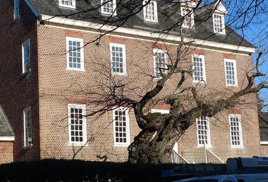 Willam-Paca-House-facade